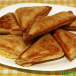 Домашние хрустящие пирожки из слоеного теста с сыром