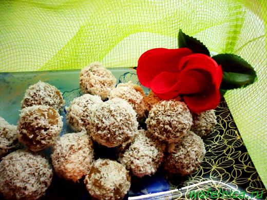 Вафельные конфеты в кокосовой стружке
