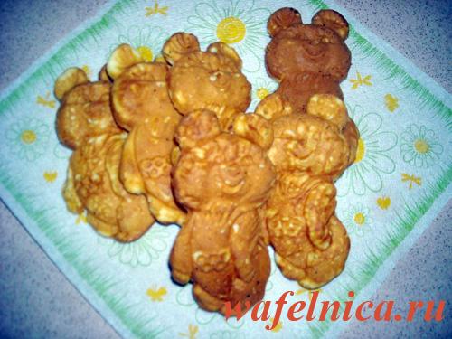 Мягкое печенье в металлической форме Олимпийский мишка